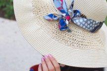UV+hat